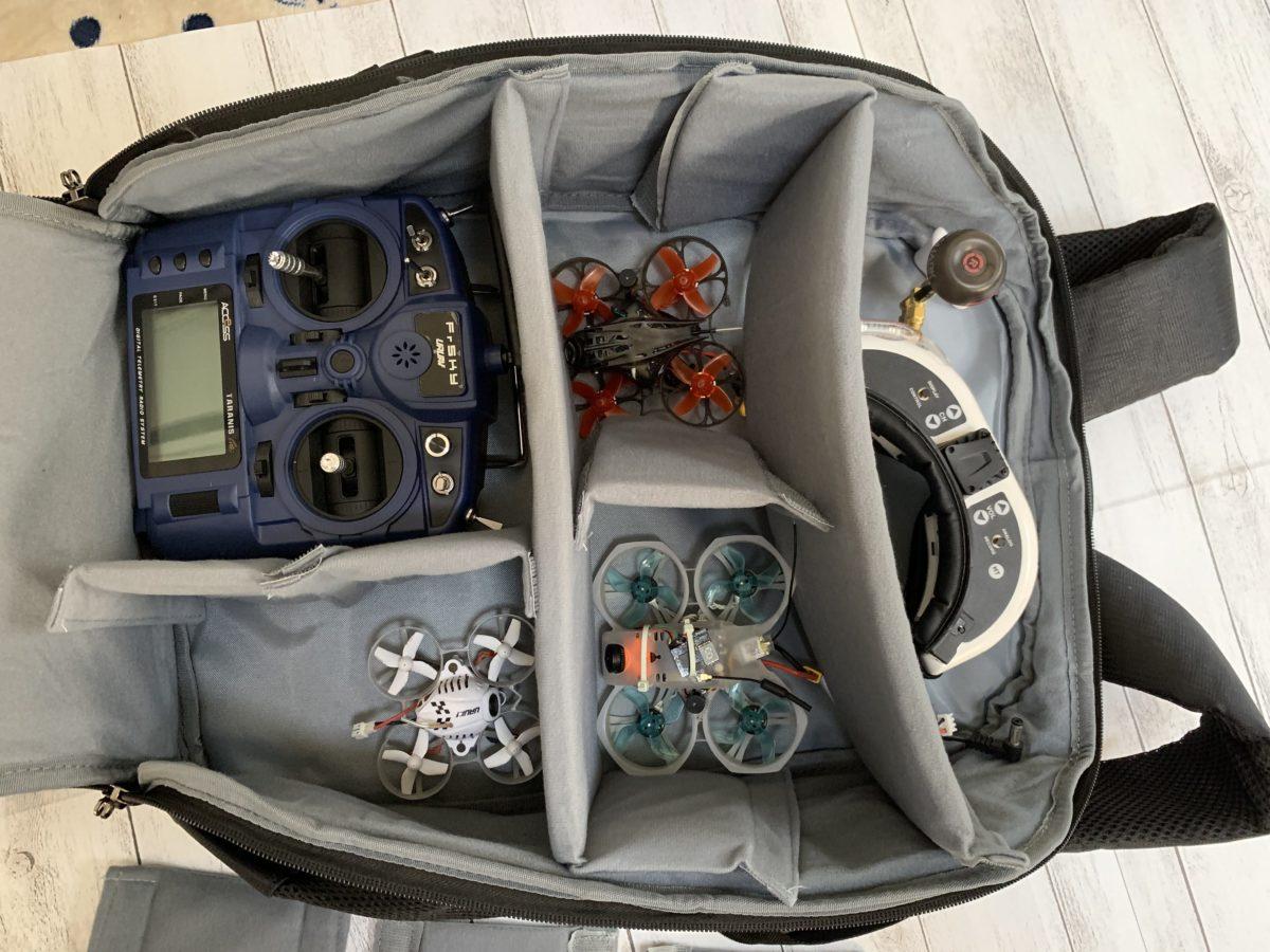 ドローンの収納や持ち運びにおすすめのリュックタイプのバック【UTEBIT B07JMW8BXN】